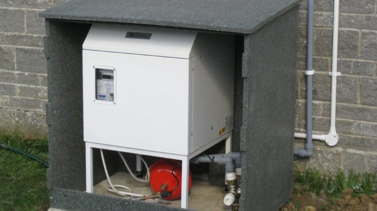 Yarlington ground source heat pump in recycled enclosure