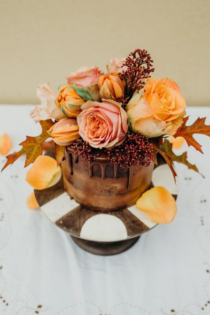 november recap elopement wedding cake orange and chocolate
