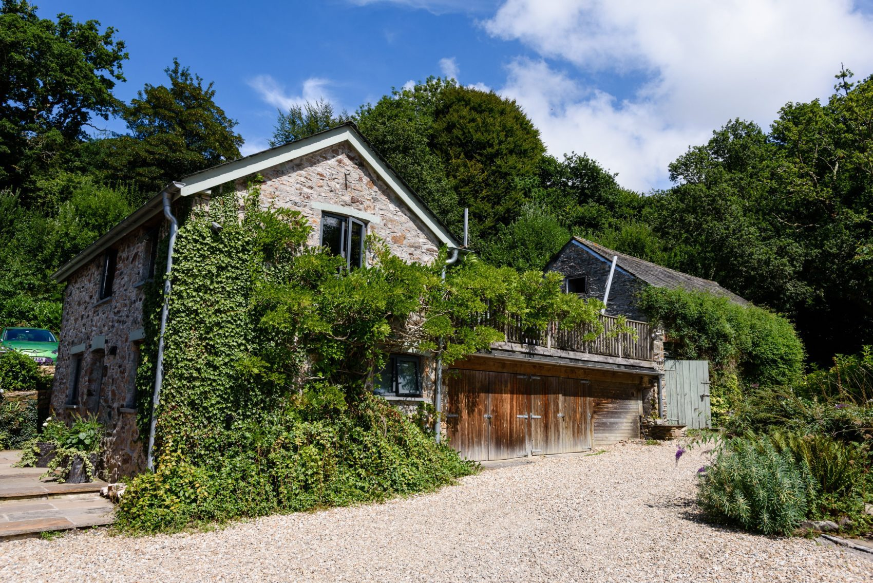 Accommodation, ever after, honeymoon suite, cottage, greenery, spring, summer, flowers, growth, sunshine, beautiful